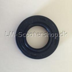 Oil seal for kickstart axle